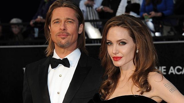 George Clooney con Stacy Kiebler y Brad Pitt junto a Angelina, parejas de Oscar