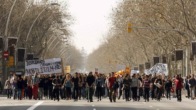 La Generalitat dice que los violentos no representan a la universidad