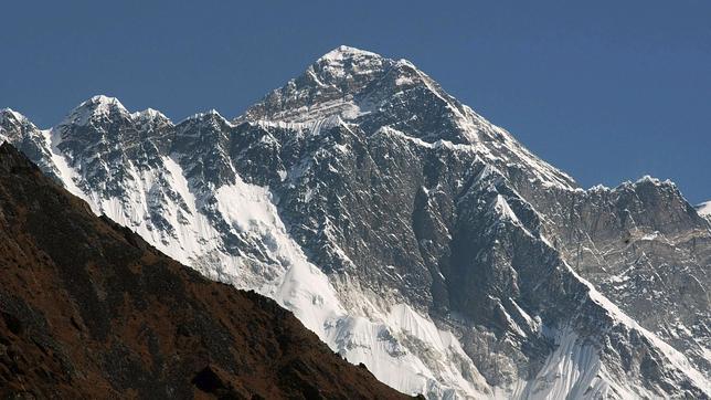 La altura del Everest, medida otra vez