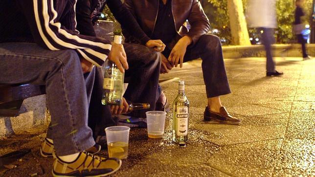 El Gobierno unificará la edad de acceso al alcohol y a otras drogas legales
