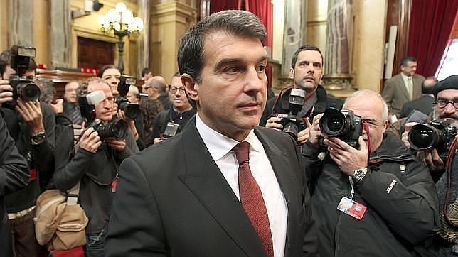 Laporta ve a Guardiola como presidente del Barcelona y a Xavi de entrenador
