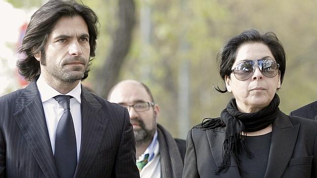 Aurora Carbonell, viuda de Morente, acude a declarar: «Justicia, nada más que la verdad»