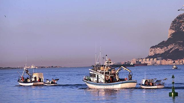 La Guardia Civil pide la intervención de la Armada en el conflicto de los pescadores en Gibraltar