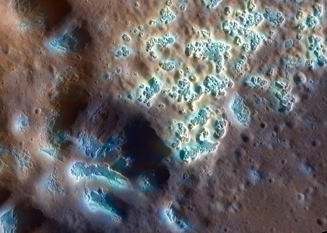 Extraños agujeros en la superficie de Mercurio