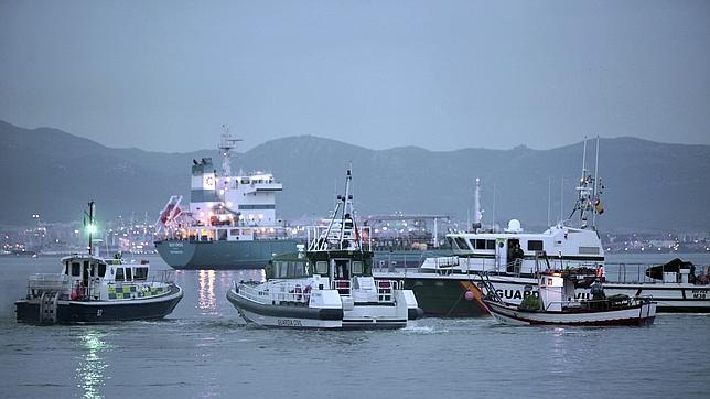 Gibraltar ignora a los pescadores y marca un calendario propio para resolver el conflicto