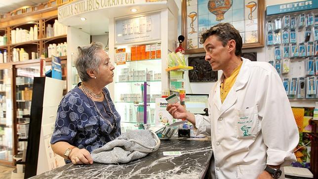 El copago saca a relucir 150.000 tarjetas sanitarias de fallecidos que estaban activas