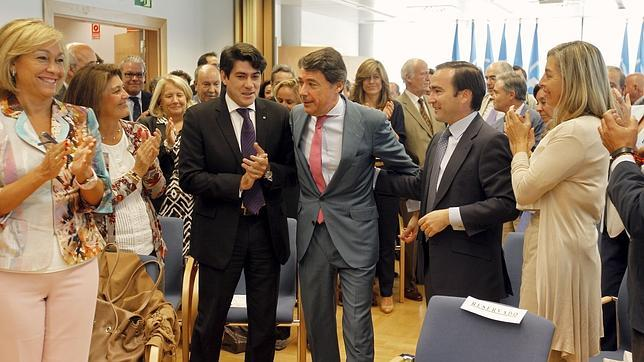 González suprimirá el Consejo Económico y la Agencia de Protección de Datos