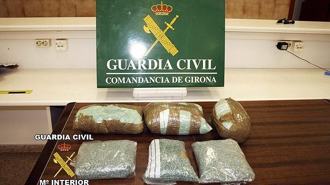La Guardia Civil decomisa 17.000 pastillas de éxtasis y 10 kilos de metanfetamina