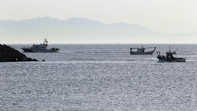 La Policía de Gibraltar impide faenar a dos embarcaciones españolas