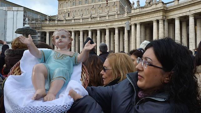 El Papa invita a los españoles a preparar el Nacimiento en sus hogares