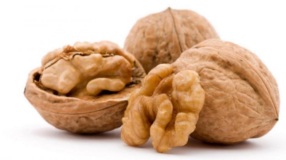 las nueces son buenas o malas para el colesterol
