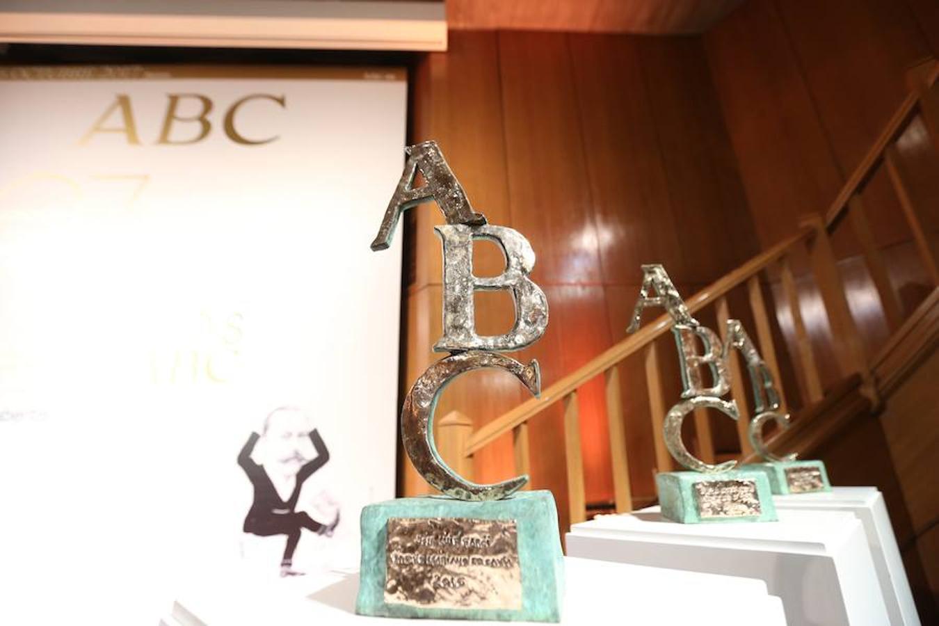 Vista de los Premios Mariano de Cavia, Luca de Tena y Mingote