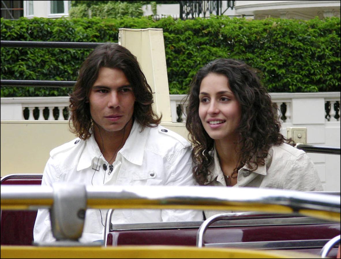 Se conocieron en su etapa escolar gracias a la hermana del tenista, María Isabel, gran amiga de Xisca. Aunque no fue hasta 2005 cuando empezaron una relación, año en el que hicieron su primera aparición pública durante el primer Ronald Garros que ganó Nadal