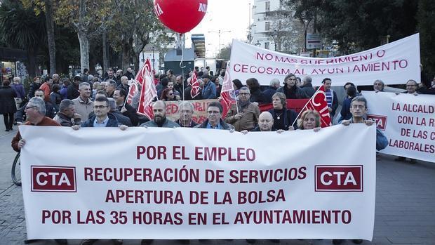 Manifestación para pedir empleo al Ayuntamiento
