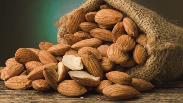 10 razones poderosas para tener un estilo de vida más saludable con un delicioso snack de almendras