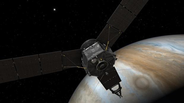 Recreación de la sonda Juno sobrevolando Júpiter