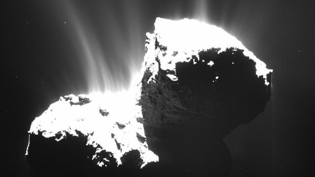 Cometa 67P/Churyumov Gerasimenko, analizado con gran profundidad por la misión Rosetta