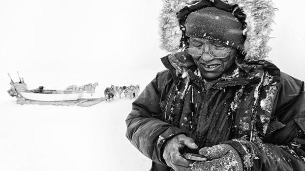 Un inuit canadiense