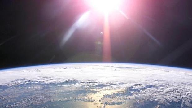 Los equinoccios y los solticios se diferencian debido a la órbita de la Tierra