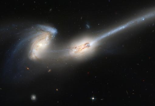 Galaxias de los Ratones (NGC 4676 A y B) en proceso de fusión