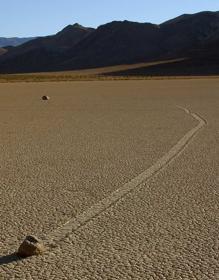 Una de las rocas deslizantes de Racetrack Playa