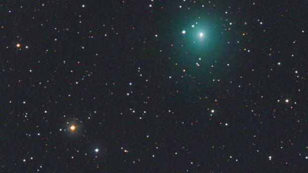 Cometa Atlas fotografiado el 6 de marzo de 2020 por el astrofotógrafo austriaco Michael Jäger. La atmósfera verde difusa del cometa es aproximadamente dos veces más ancha que el planeta Júpiter.