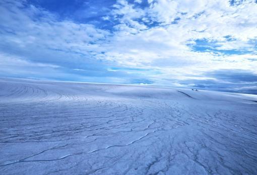 Los investigadores de UBC han concluido que el paisaje marciano temprano probablemente se parecía a esta imagen de la capa de hielo de Devon