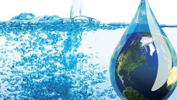 Crean un sistema para extraer agua potable directamente del aire solo con energía solar
