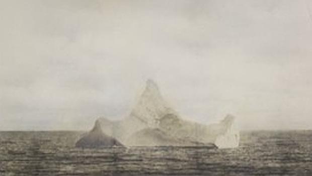 La fotografía del supuesto iceberg contra el que chocó el Titanic