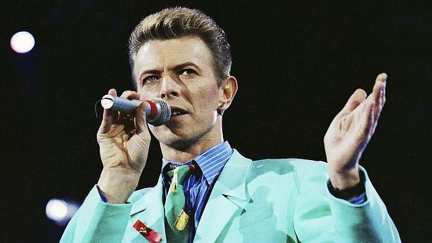 David Bowie, durante un concierto de homenaje a Freddie Mercury en el estadio de Wembley de Londres en 1992