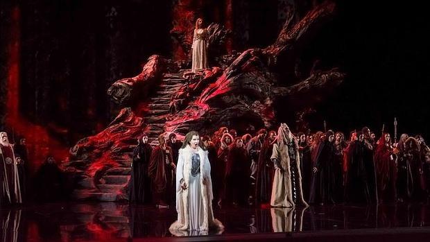 «Norma», de Bellini, una de las obras programadas por el Teatro Real para la temporada 2016/17