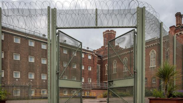 Reading, al oeste de Londres, acoge «Dentro», una muestra-homenaje a su prisionero más ilustre, Oscar Wilde