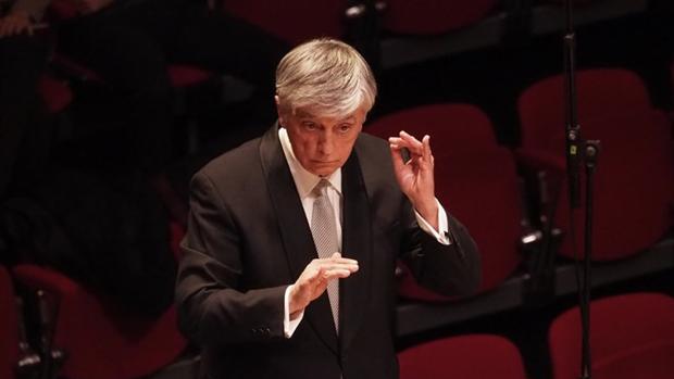 El director de orquesta Arturo Tamayo