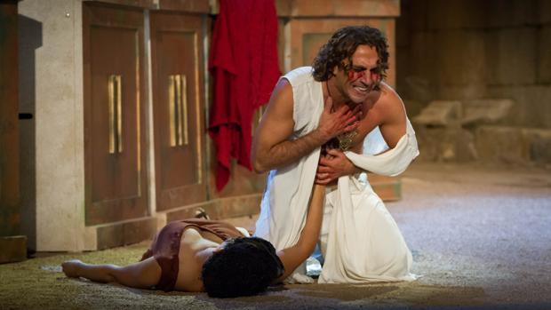 Un momento de la versión de «Edipo Rey» dirigida por Denis Rafter en 2014