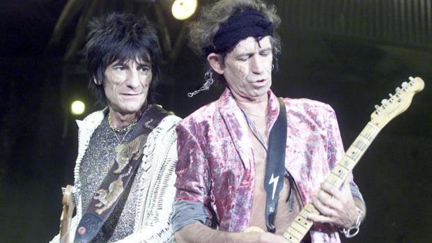 Keith Richards y Ron Wood durante un concierto en Madrid en 2003