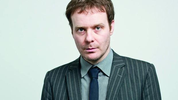 El escritor londinense Tom McCarthy vuelve a rizar el rizo en «C»