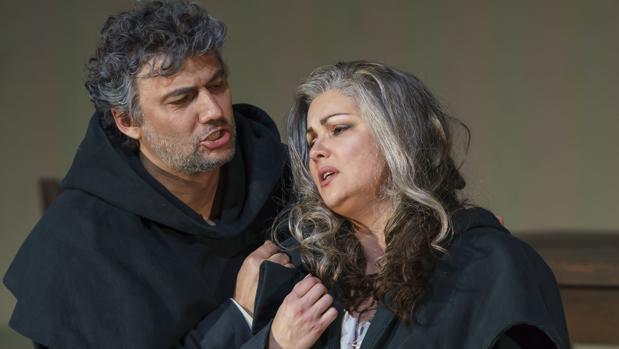 Jonas Kaufmann, como don Álvaro, y Anna Netrebko, como Leonora, en «La forza del destino»