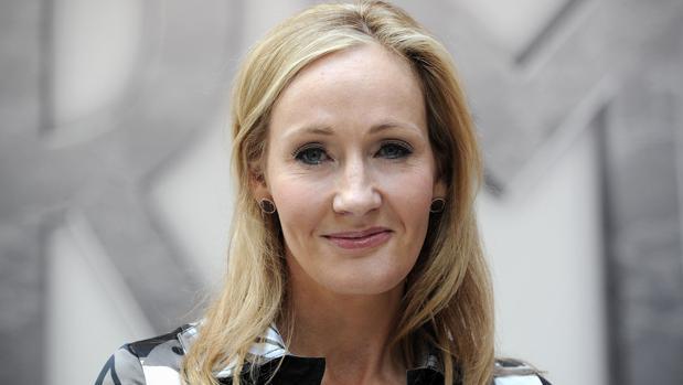 J. K. Rowling es una de las autoras que se incorpora al catálogo de Penguin Random House