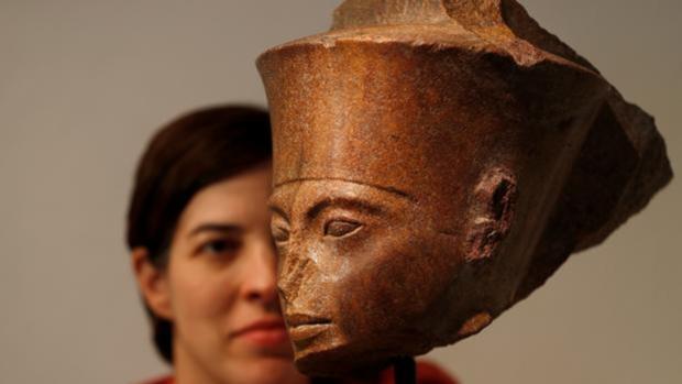 El busto del faraón Tutnkamón
