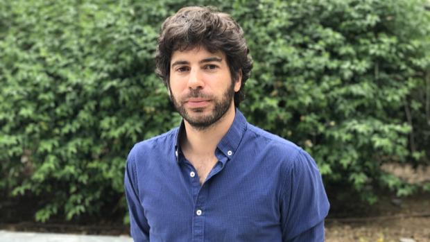 El escritor Javier Serena