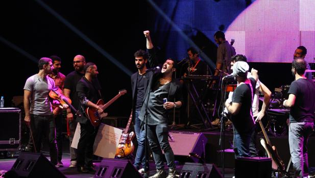 Mashrou'Leila durante un concierto en Beirut