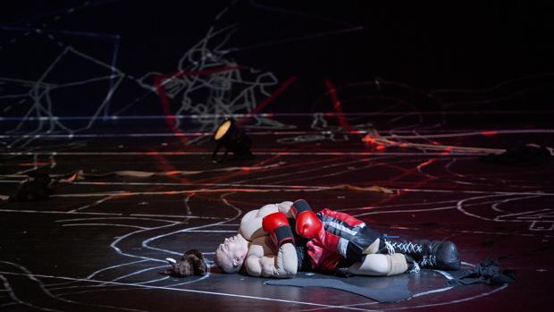 Christopher Maltman, como Edipo, en una imagen de la ópera