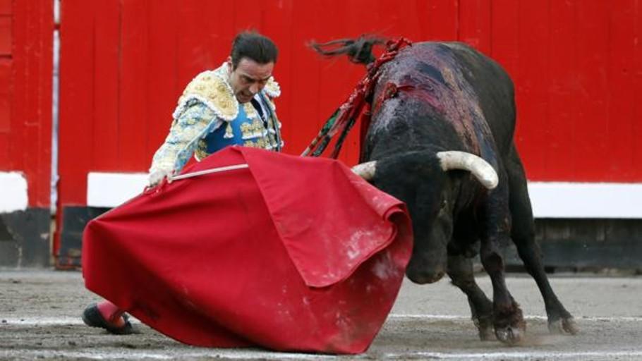 Directo: Ponce, Urdiales y Ginés Marín, con los toros de Zalduendo en Bilbao