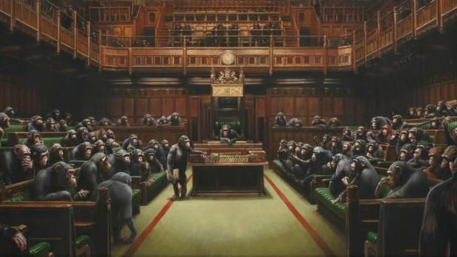 A subasta la polémica obra de Banksy de la Cámara de los Comunes británica dirigida por chimpancés