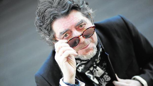 «70», del cantante de Úbeda (arriba, en una imagen reciente), recupera algunos de sus títulos memorables