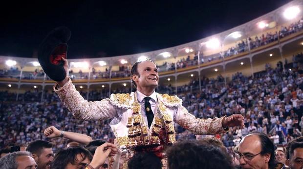 Antonio Ferrera sale a hombros en Las Ventas