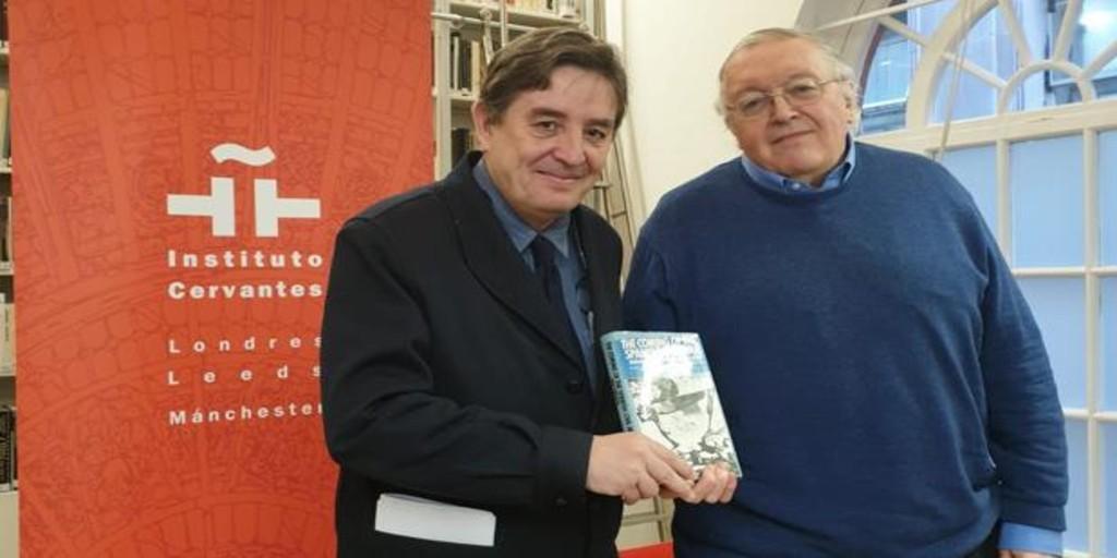 Paul Preston cede a la Caja de las Letras del Cervantes un ejemplar de su primera obra