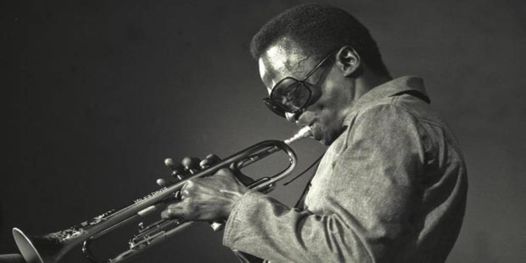 Miles Davis: combate a muerte entre la realidad y el mito