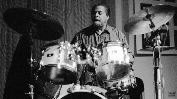 Muere Jimmy Cobb, baterista de Miles Davis en el icónico «Kind of Blue»