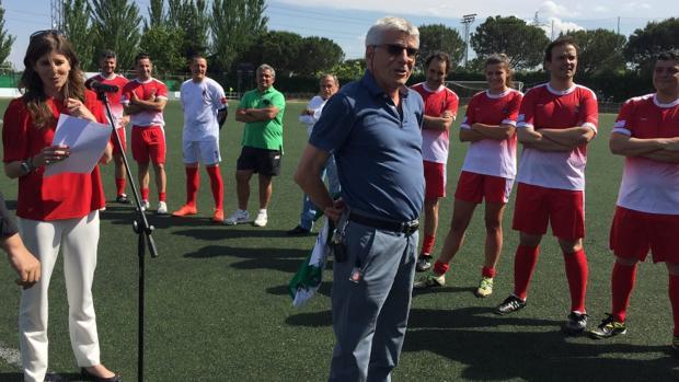 Homenaje a Isaac Cardoso, presidente del CF Pozuelo